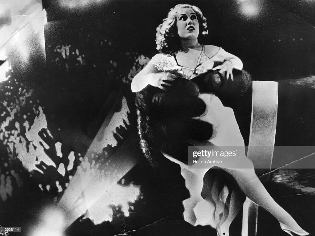 American actress <a gi-track='captionPersonalityLinkClicked' href=/galleries/search?phrase=Fay+Wray&family=editorial&specificpeople=70009 ng-click='$event.stopPropagation()'>Fay Wray</a> in the clutches of King Kong, in a scene from the Hollywood horror movie,' King Kong', directed by Merian C Cooper and Ernest B Schoedsack for RKO.
