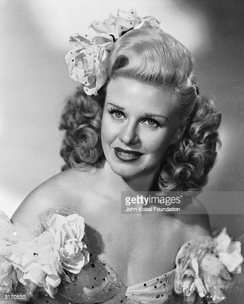 American actress Ginger Rogers stars as Arlette a charming young pickpocket in the movie 'Heartbeat' directed by Sam Wood
