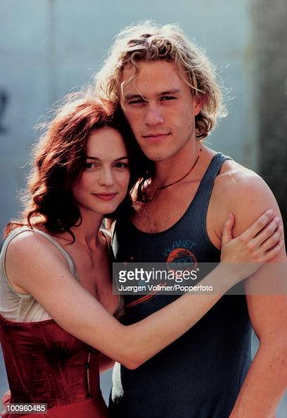 American actress Heather Graham on the set of the film 'From Hell' in Prague with her boyfriend Australian actor Heath Ledger 2000