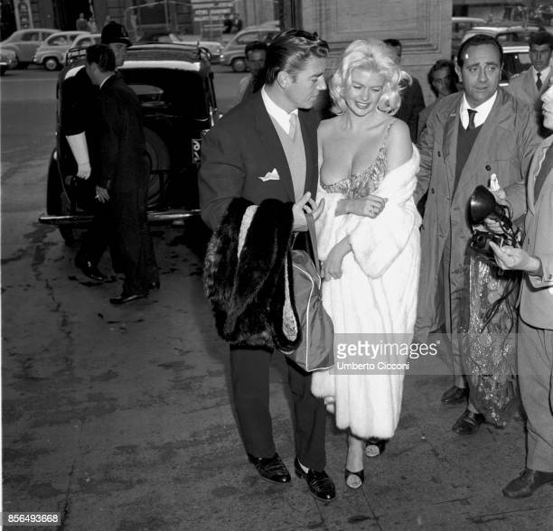 American actress Jayne Mansfield and actor Mickey Hargitay in Via Veneto Rome 1959
