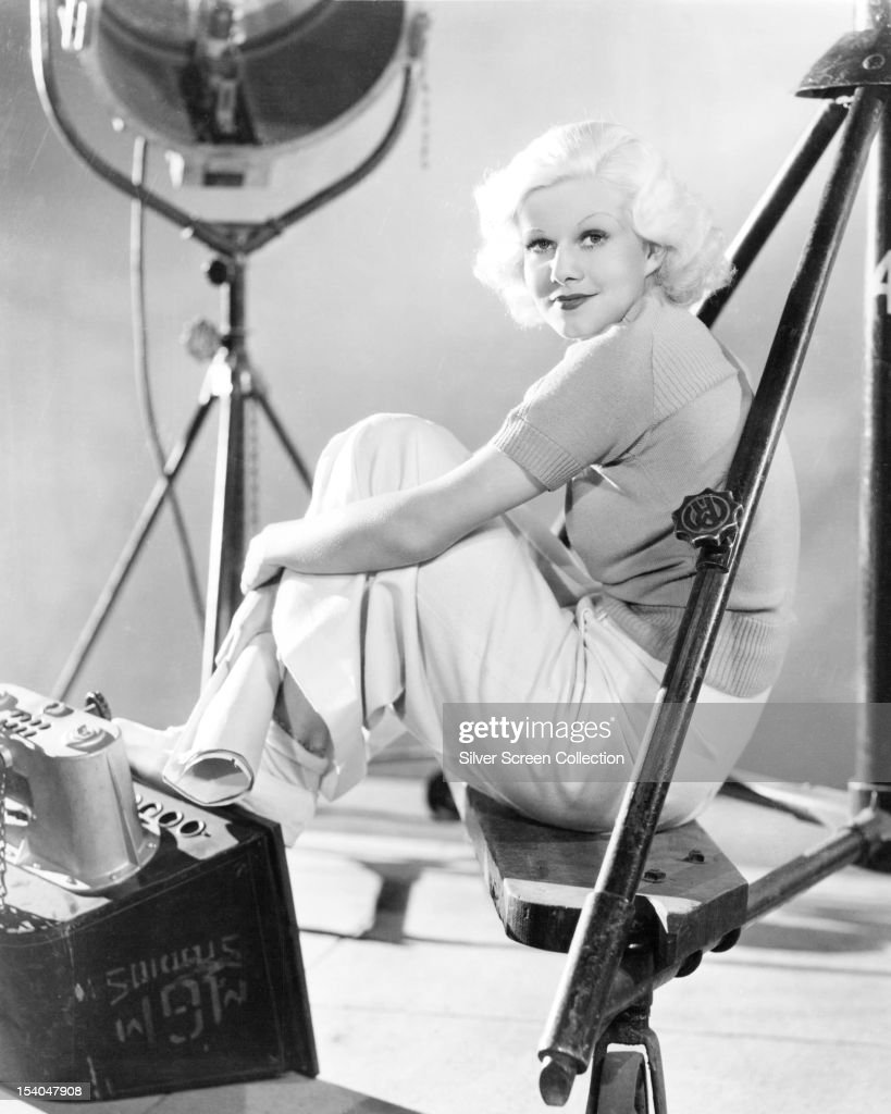 American actress <a gi-track='captionPersonalityLinkClicked' href=/galleries/search?phrase=Jean+Harlow&family=editorial&specificpeople=70012 ng-click='$event.stopPropagation()'>Jean Harlow</a> (1911 - 1937), circa 1935.