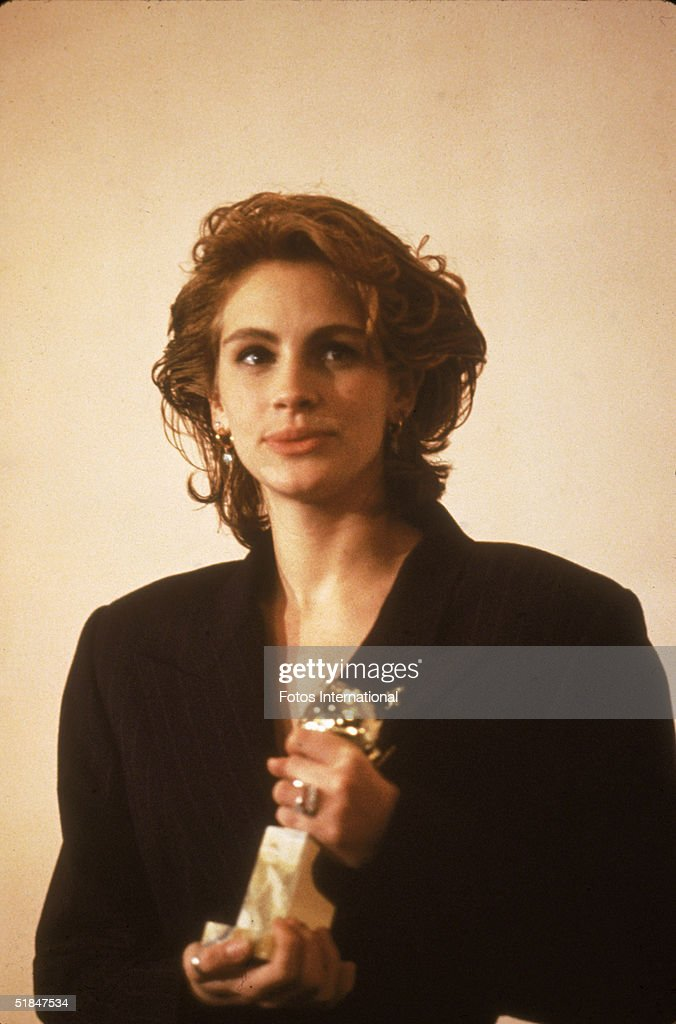 a biography of julia roberts an american actress Julia roberts, actresses, american celebrity born on 28 october julia fiona roberts, born in smyrna, georgia, never dreamed she would become the most popular actress in america.
