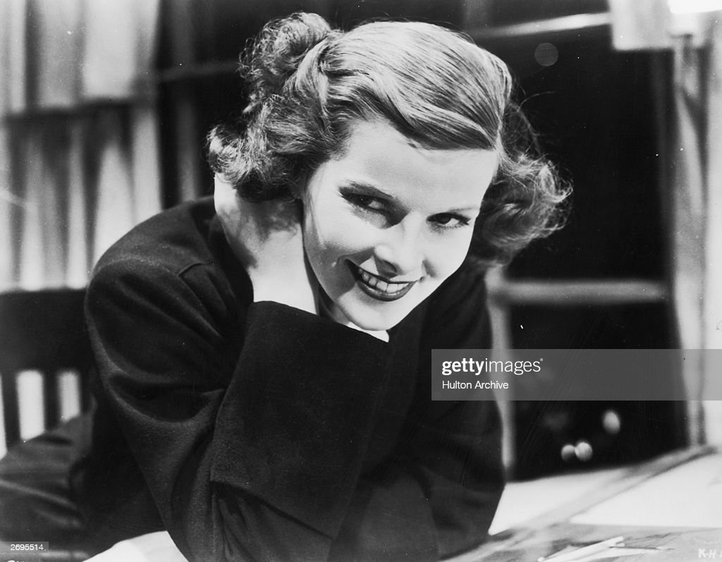 American actress <a gi-track='captionPersonalityLinkClicked' href=/galleries/search?phrase=Katharine+Hepburn&family=editorial&specificpeople=203012 ng-click='$event.stopPropagation()'>Katharine Hepburn</a> (1907 - 2003).