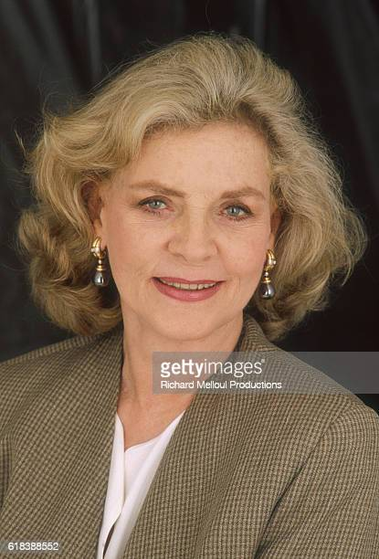 American actress Lauren Bacall stars in the 1991 French film A Star for Two. The film is directed by Jim Kaufman and also stars Anthony Quinn.