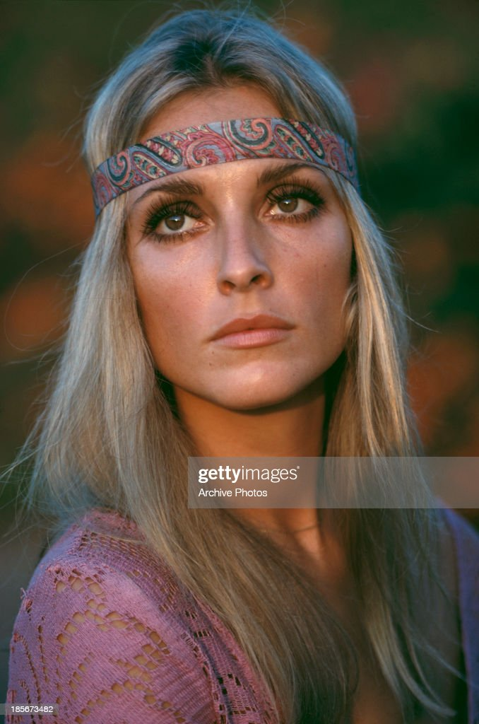 American actress <a gi-track='captionPersonalityLinkClicked' href=/galleries/search?phrase=Sharon+Tate&family=editorial&specificpeople=225003 ng-click='$event.stopPropagation()'>Sharon Tate</a> (1943 - 1969) wearing a pink top and headband, circa 1968.