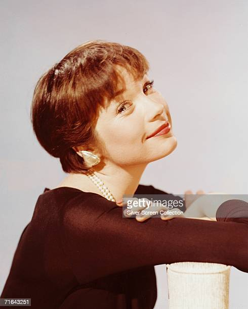 Shirley Maclaine The Apartment: Shirley Maclaine Stock Photos And Pictures