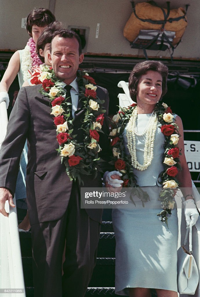 American Air Force test pilot and astronaut, <a gi-track='captionPersonalityLinkClicked' href=/galleries/search?phrase=Gordon+Cooper+-+Astronaut&family=editorial&specificpeople=90970 ng-click='$event.stopPropagation()'>Gordon Cooper</a> (1927-2004) pictured with his wife Trudy arriving in Florida after leaving Hawaii following his Mercury-Atlas 9 space mission in May 1963.