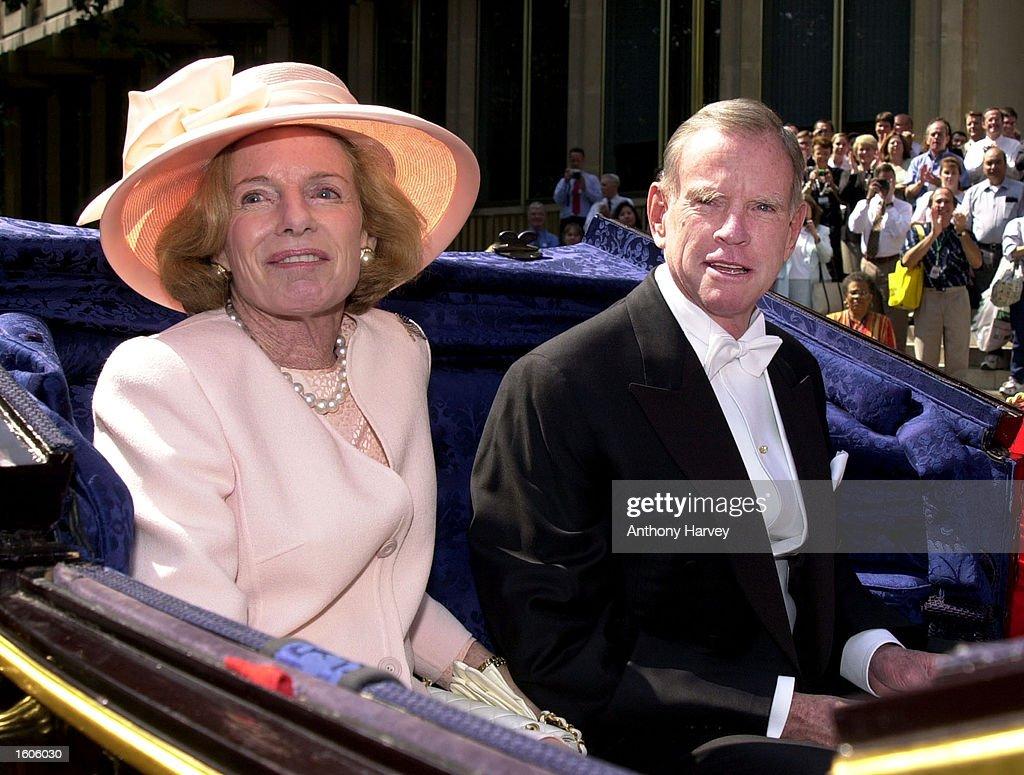 u s ambassador william farish visits buckingham palace pictures
