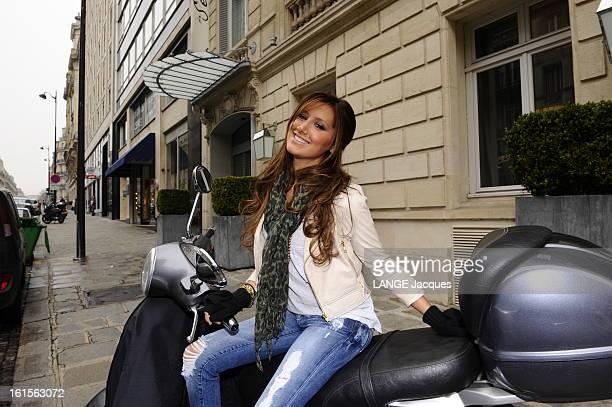 American Artist Ashley Tisdale In Paris Paris 3 avril 2009 la starlette de la comédie musicale 'High School Musical' Ashley TISDALE à Paris pour la...