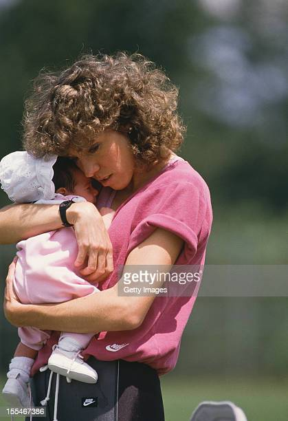 American athlete Mary Slaney formerly Mary Decker with her baby daughter Ashley circa 1986 Slaney's husband is British discus thrower Richard Slaney