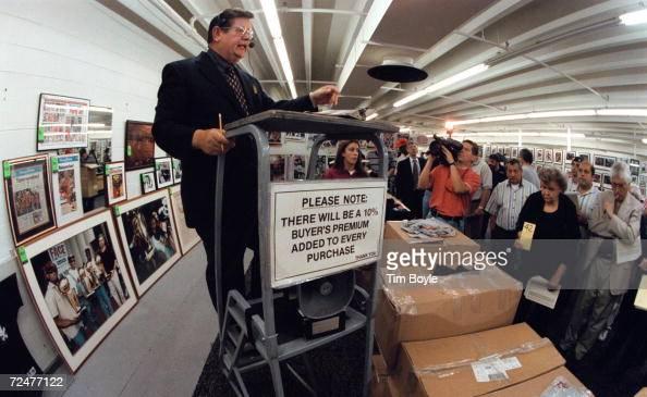 Liquidation of memorabilia and merchandise from michael for Centre liquidation cuisine