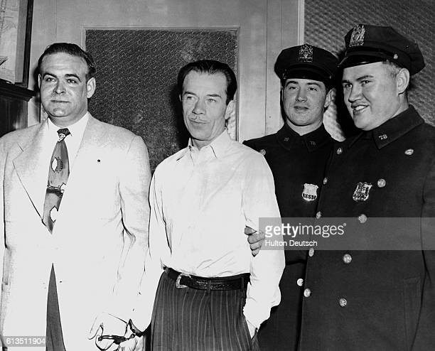 American bank robber Willie Sutton known as The Actor in the custody of the men who arrested him in 1952 Sutton stole around $2 million over a period...