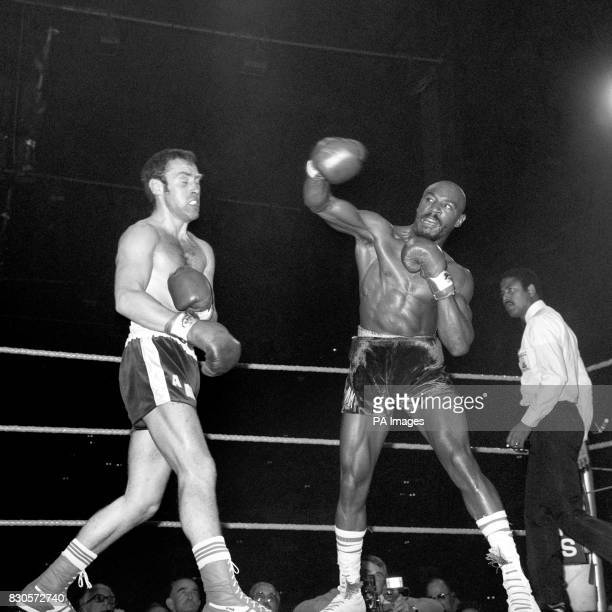 American boxer Marvin Hagler right lands a punch on his British opponent Alan Minter during their 1980 World Middleweight Championship fight at...
