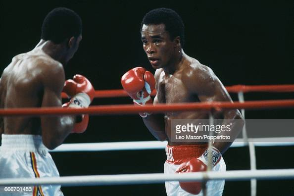 American boxer Thomas Hearns pictured left in action against fellow American boxer Sugar Ray Leonard in a fight dubbed 'The Showdown' at Caesars...