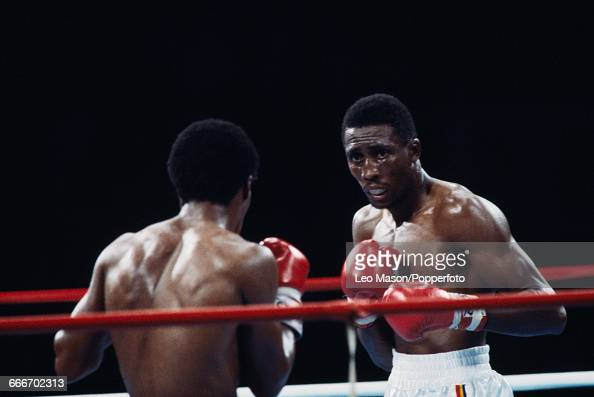 American boxer Thomas Hearns pictured right in action against fellow American boxer Sugar Ray Leonard in a fight dubbed 'The Showdown' at Caesars...