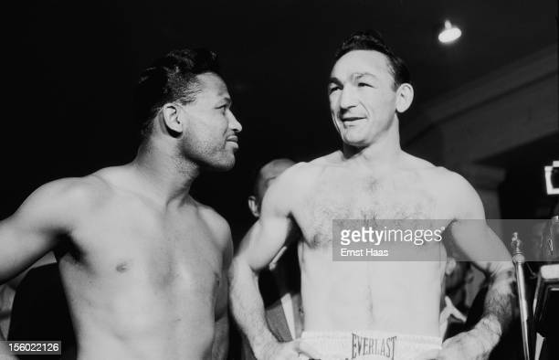 American boxers Sugar Ray Robinson and Carmen Basilio at their World Middleweight title rematch at Chicago Stadium 25th March 1958 Robinson won the...