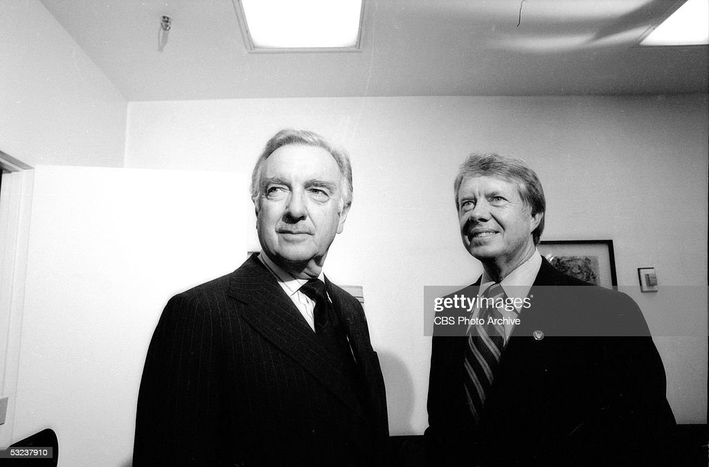 American broadcast journalist Walter Cronkite (left) stands with Georgia governor and future US president <a gi-track='captionPersonalityLinkClicked' href=/galleries/search?phrase=Jimmy+Carter+-+US+President&family=editorial&specificpeople=93589 ng-click='$event.stopPropagation()'>Jimmy Carter</a>, November 4, 1975.