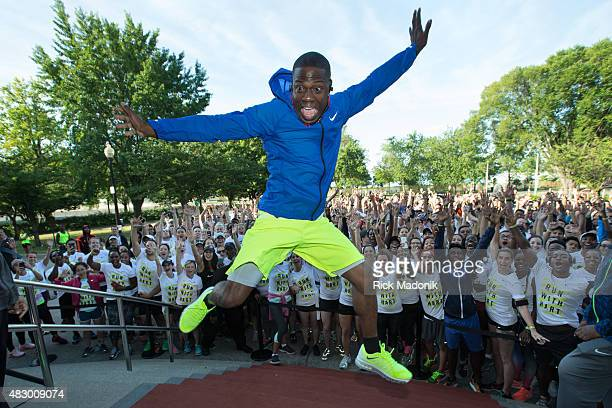 TORONTO ONTARIO AUGUST 2 2015 American comedian and actor Kevin Hart leaps for a photo in front of the runners Hart is in Toronto to perform at...