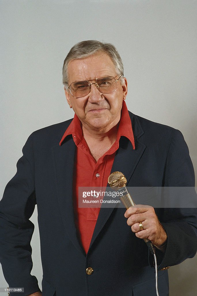 American comedian and gamshow host <a gi-track='captionPersonalityLinkClicked' href=/galleries/search?phrase=Ed+McMahon&family=editorial&specificpeople=216392 ng-click='$event.stopPropagation()'>Ed McMahon</a> (1923 - 2009), circa 1995.