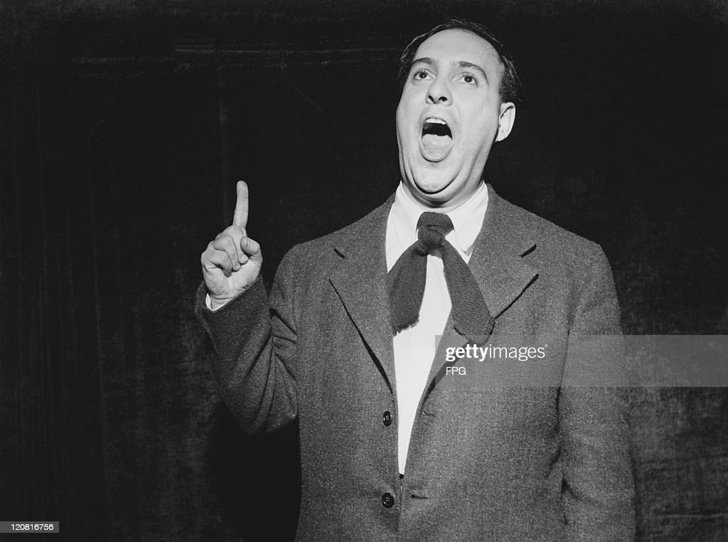 American comic actor <a gi-track='captionPersonalityLinkClicked' href=/galleries/search?phrase=Zero+Mostel&family=editorial&specificpeople=207033 ng-click='$event.stopPropagation()'>Zero Mostel</a> (1915 - 1977) imitating a US Senator giving a speech, circa 1945.