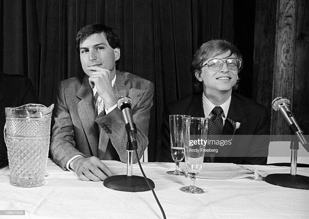 American computer magnates Steve Jobs (1955 - 2011) (left), co-founder of Apple Computer Inc., and <a gi-track='captionPersonalityLinkClicked' href=/galleries/search?phrase=Bill+Gates&family=editorial&specificpeople=202049 ng-click='$event.stopPropagation()'>Bill Gates</a>, co-founder of Microsoft, as they take questions at a press conference to announce Microsoft's Excel software program at Tavern on the Green, New York, New York, May 2, 1985.