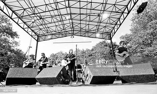 American country music group the Highwaymen from left Willie Nelson Waylon Jennings Johnny Cash and Kris Kristofferson perform at Central Park...