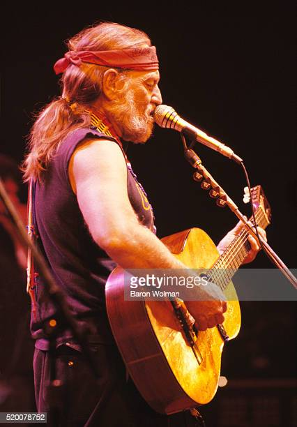 American country music singersongwriter Willie Nelson performs at the Cow Palace in San Francisco circa 1970s