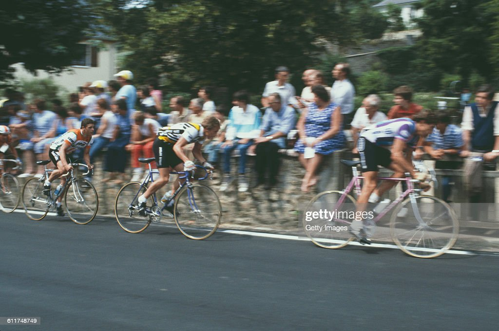 American cyclist <a gi-track='captionPersonalityLinkClicked' href=/galleries/search?phrase=Greg+LeMond&family=editorial&specificpeople=504953 ng-click='$event.stopPropagation()'>Greg LeMond</a> (centre, left) competing in the Critérium de Château-Chinon road race, Château-Chinon, Nièvre, France, circa 1982.