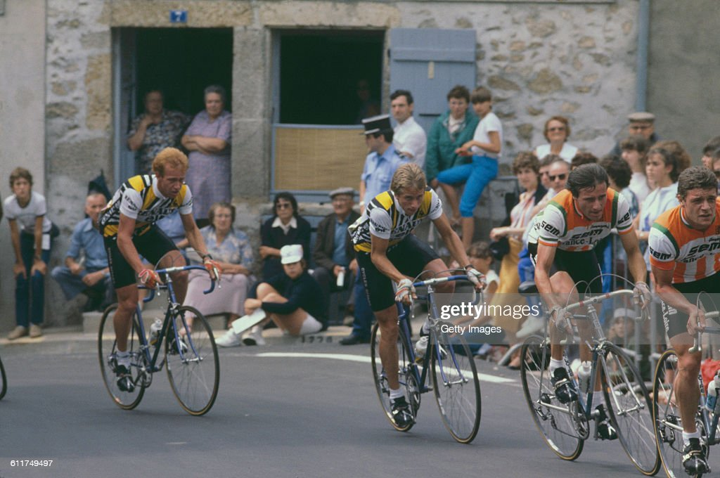 American cyclist <a gi-track='captionPersonalityLinkClicked' href=/galleries/search?phrase=Greg+LeMond&family=editorial&specificpeople=504953 ng-click='$event.stopPropagation()'>Greg LeMond</a> (centre) competing in the Critérium de Château-Chinon road race, Château-Chinon, Nièvre, France, circa 1982.