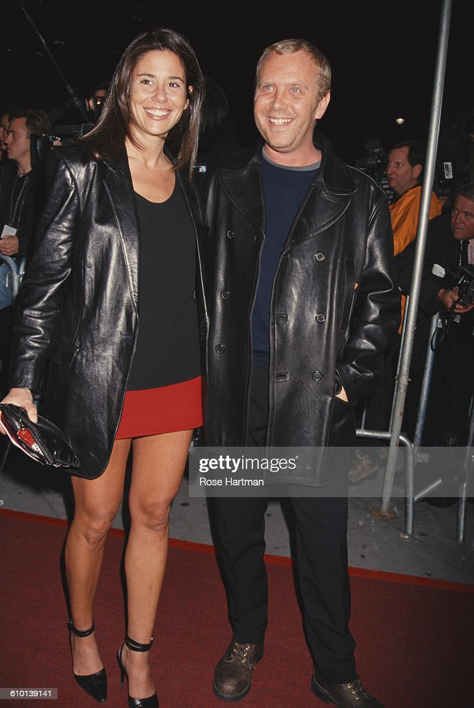 American fashion designer <a gi-track='captionPersonalityLinkClicked' href=/galleries/search?phrase=Michael+Kors+-+Fashion+Designer&family=editorial&specificpeople=4289231 ng-click='$event.stopPropagation()'>Michael Kors</a> with supermodel <a gi-track='captionPersonalityLinkClicked' href=/galleries/search?phrase=Carol+Alt&family=editorial&specificpeople=202034 ng-click='$event.stopPropagation()'>Carol Alt</a> at the VH1 fashion awards, Madison Square Garden, New York City, circa 1997.