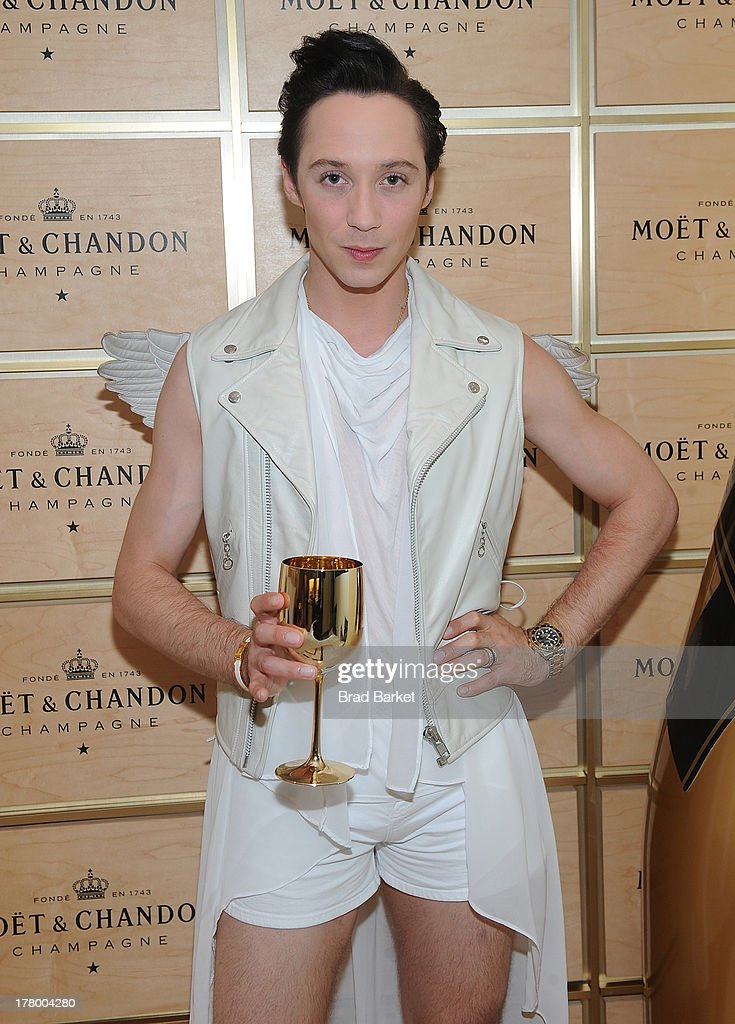 American figure skater <a gi-track='captionPersonalityLinkClicked' href=/galleries/search?phrase=Johnny+Weir&family=editorial&specificpeople=208701 ng-click='$event.stopPropagation()'>Johnny Weir</a> attends he Moet & Chandon Suite at USTA Billie Jean King National Tennis Center on August 26, 2013 in New York City.