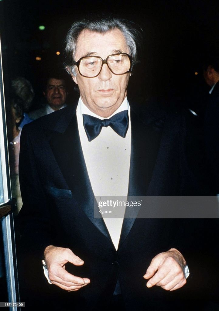 American film actor <a gi-track='captionPersonalityLinkClicked' href=/galleries/search?phrase=Robert+Mitchum&family=editorial&specificpeople=206827 ng-click='$event.stopPropagation()'>Robert Mitchum</a> (1917 - 1997), circa 1990.
