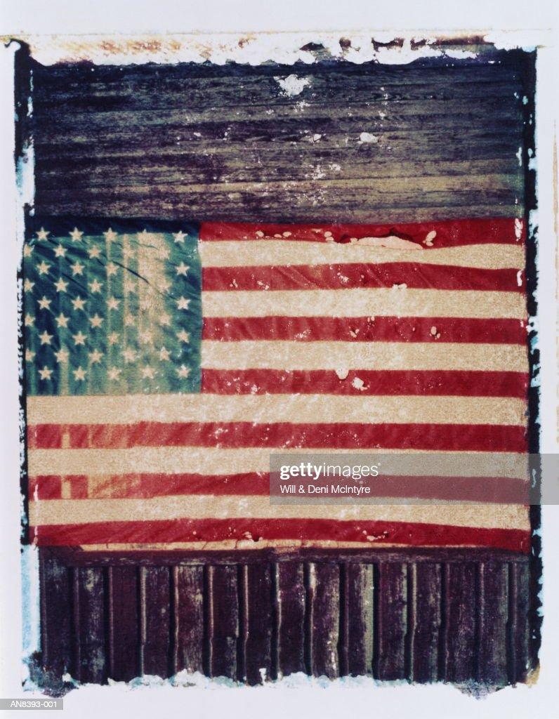 American flag on barn wall,  North Carolina, USA (transfer image) : Stockfoto