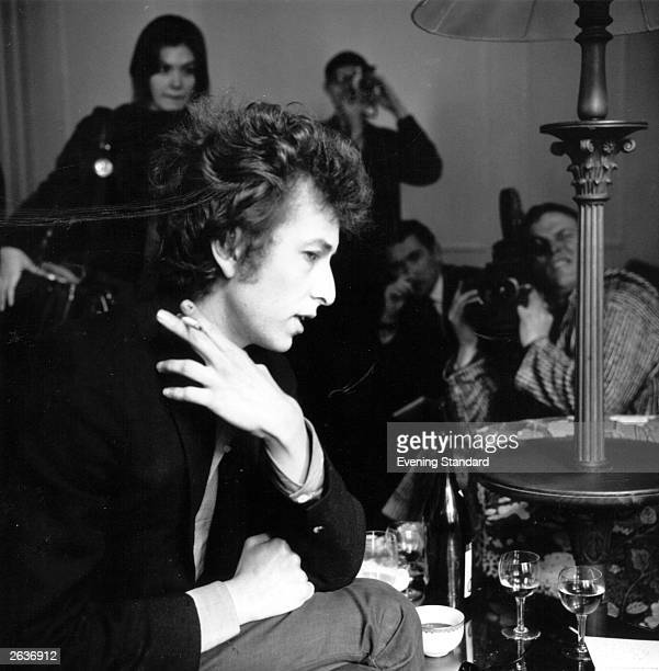 American folk singer and songwriter Bob Dylan talks to the press in London