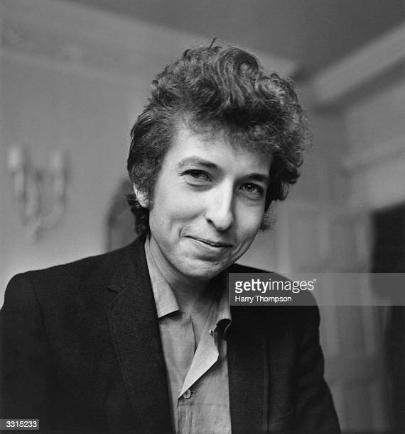 Bob Dylan: Iconic Singer & Songwriter: Overview