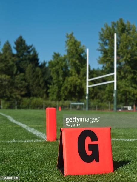 Terrain de Football américain et Poteau indicateur dans la Zone d'en-but