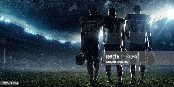 Jugador de fútbol americano en el final