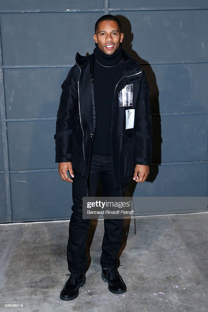 Givenchy : Front Row - Paris Fashion Week - Menswear F/W 2016-2017