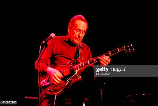 American guitarist Les Paul performs onstage Chicago Illinois December 1 1996