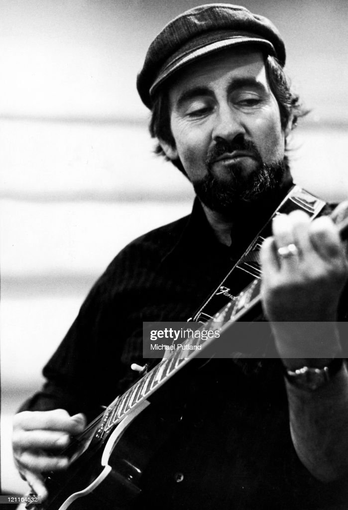 American guitarist Roy Buchanan (1939 - 1988) in a New York recording studio, 20th October 1977. He is playing an early style Gibson Les Paul guitar.