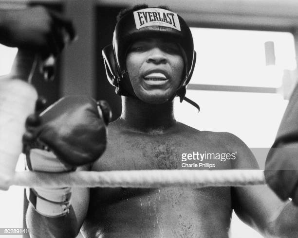 American heavyweight boxer Muhammad Ali during a training session at the Hallenstadion Arena Zurich Switzerland before his fight against Jurgen Blin...