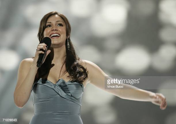 American Idol finalist Katherine McPhee of Southern California performs during the American Idol Season 5 final performances on May 23 2006 at the...