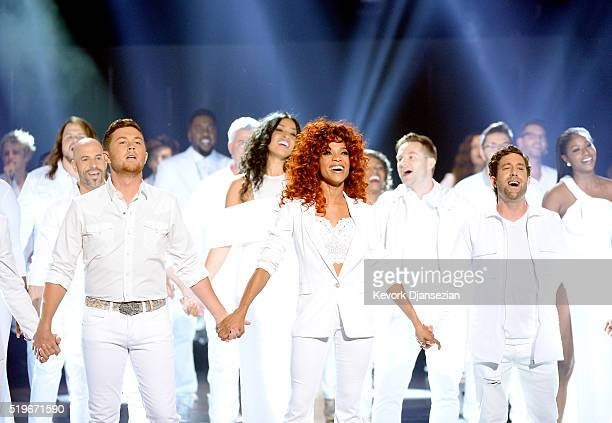 American Idol past winners and finalists perform together onstage during FOX's 'American Idol' Finale For The Farewell Season at Dolby Theatre on...