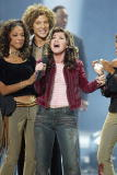 American Idol winner Kelly Clarkson sings after winning the contest at the Kodak Theatre in Hollywood Ca Sept 4 2002