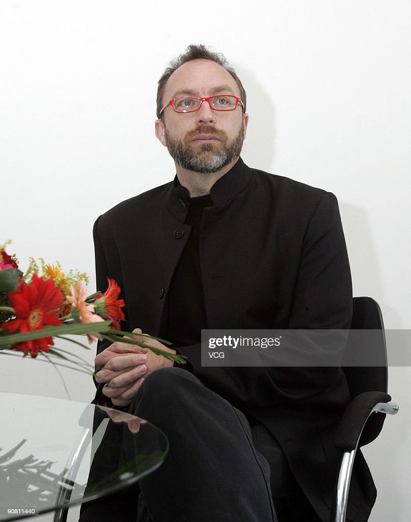 American internet entrepreneur and co-founder of Wikipedia, <a gi-track='captionPersonalityLinkClicked' href=/galleries/search?phrase=Jimmy+Wales&family=editorial&specificpeople=836275 ng-click='$event.stopPropagation()'>Jimmy Wales</a>, visits Hudong.com's office during his visit to Beijing on September 15, 2009 in Beijing, China.