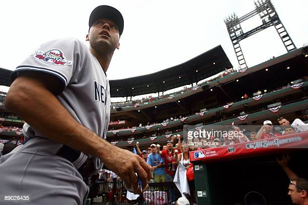 American League AllStar Derek Jeter of the New York Yankees signs autographs for fans before the 2009 MLB AllStar Game at Busch Stadium on July 14...
