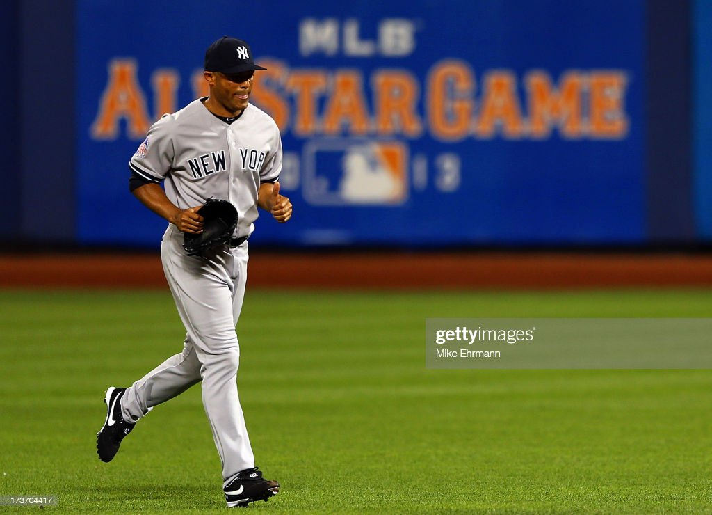 American League All-Star <a gi-track='captionPersonalityLinkClicked' href=/galleries/search?phrase=Mariano+Rivera&family=editorial&specificpeople=201607 ng-click='$event.stopPropagation()'>Mariano Rivera</a> #42 of the New York Yankees comes into the game to pitch in the bottom of the eighth inning against National League All-Stars during the 84th MLB All-Star Game on July 16, 2013 at Citi Field in the Flushing neighborhood of the Queens borough of New York City.