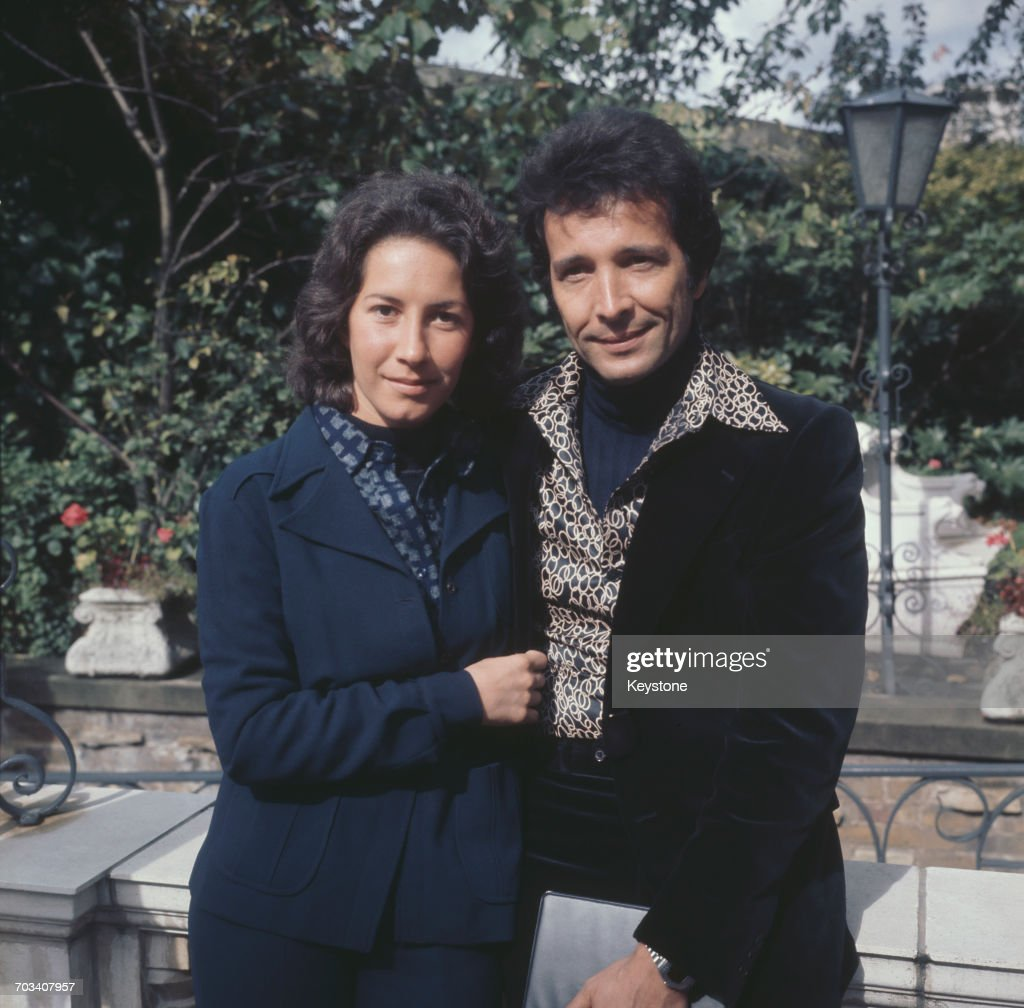American musician Herb Alpert and his wife, singer Lani Hall, in London, UK, 1974.