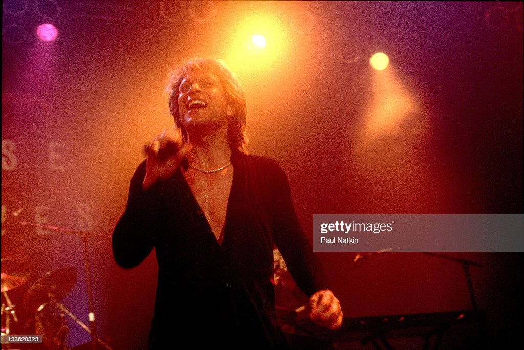 American musician <a gi-track='captionPersonalityLinkClicked' href=/galleries/search?phrase=Jon+Bon+Jovi&family=editorial&specificpeople=201527 ng-click='$event.stopPropagation()'>Jon Bon Jovi</a> performs at the House of Blues, Chicago, Illinois, May 20, 2000.