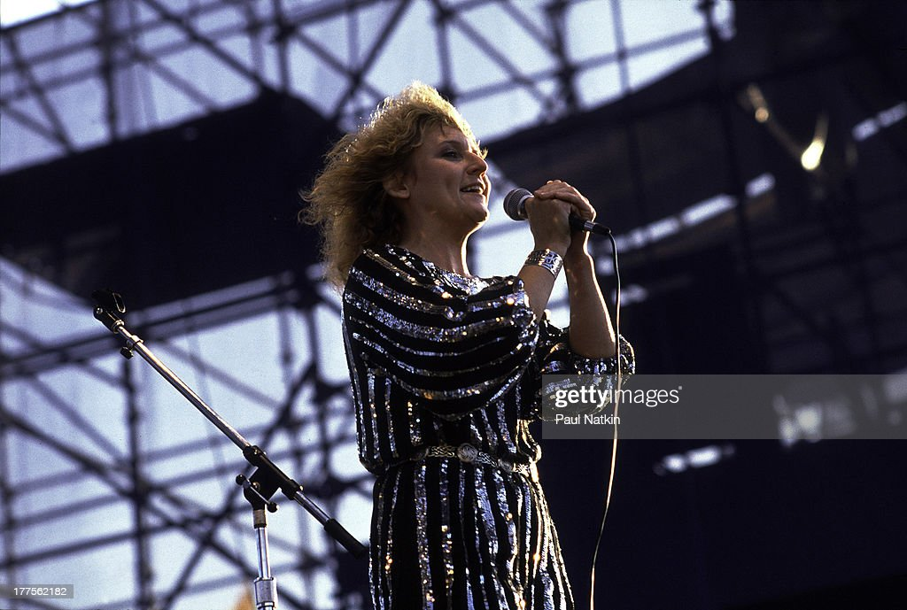 American musician Lacy J. Dalton (born Jill Lynne Byrem) performs on stage at Chicagofest, Chicago, Illinois, August 20, 1983.